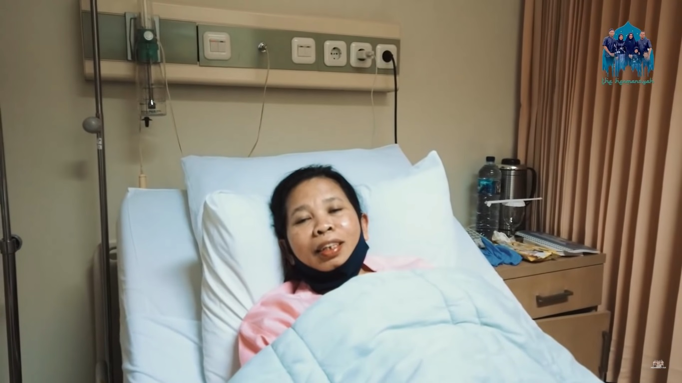 Suwarsiha, Pengasuh Anak Anang Dan Ashanty Berhasil Lewati Operasinya Selama 10 Jam!