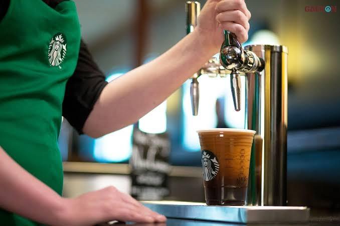 Sanksi Tegas, Starbucks Pecat Pegawai Intip Payudara Lewat CCTV