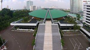 Jokowi Bakal Terima Draf UU Ciptaker Hari Ini