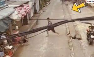 Pria Selamatkan Bocah Dari Kecelakaan Terekam CCTV, Warganet Kagumi Aksinya