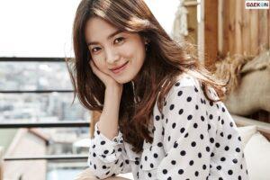 Song Hye Kyo Sumbangkan 10.000 Eksemplar Buku Panduan Korea-Prancis