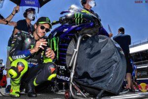 Rasakan Nyeri dan Demam Valentino Rossi Positif Corona