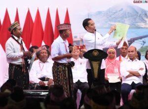 Kerap Bagikan Sertifikat Tanah Ketika Berkunjung ke Daerah Jokowi Berikan Alasannya