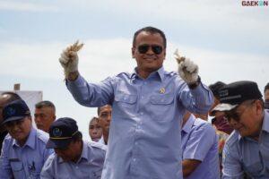 Korupsi Ekspor Benih Lobster, Menteri Kelautan dan Perikanan Edhy Prabowo Ditangkap KPK