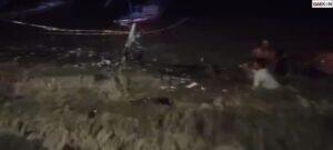 Banjir Rob di Surabaya Satu Perahu Pecah Lima Perahu Tenggelam