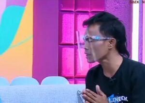 Mengaku Salah Akhirnya Ade Londok Minta Maaf Langsung ke Malih Tong-Tong