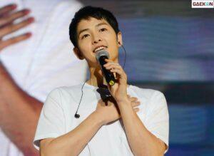 "Song Joong Ki Akan Jadi MC ""2020 Mnet Asian Music Awards"""