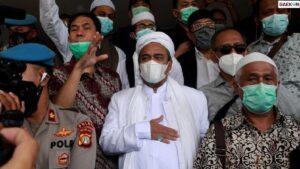 Pusing, HRS Resmi Ditahan Polda Metro Jaya Sampai Akhir Tahun