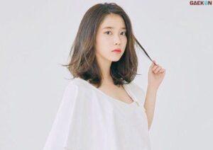 IU Donasi 100 Juta Won Untuk Siswa Tak Mampu