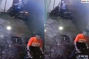 Terekam CCTV, Dua Pemuda Ini Curi Motor Depan Warung