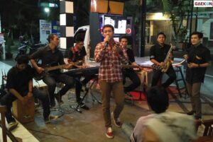 Nyanyi Di Kafe Harus Bayar Royalti, Jokowi Teken PP 56 Tentang Pengelolaan Royalti Hak Cipta Lagu