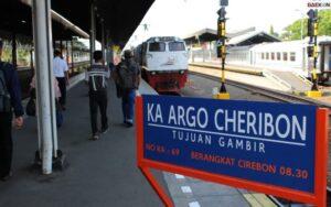 Tak Bertuan, 14 Barang Berharga Ditemukan Di Area Stasiun Daop 3 Cirebon