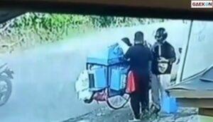 Tukang Kerupuk Ini Jadi Korban Hipnotis Di Pinggir Jalan