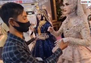 Bikin Kaget, Manekuin Di Mall Ini Ternyata Manusia