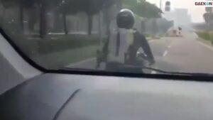 Diduga Begal Payudara, Pria Ini Dikejar Pengendara Mobil