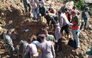 Sulit Dijangkau Alat Berat, Pencarian Korban Tanah Longsor Tapanuli Selatan Terkendala