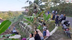 Tak Kuasai Medan, Mobil Patroli Di Gunungkidul Terjun Ke Jurang Sedalam 12 Meter
