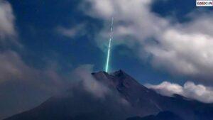 Ini Kata Astronom Soal Benda Mirip Meteor Yang Jatuh Di Puncak Gunung Merapi