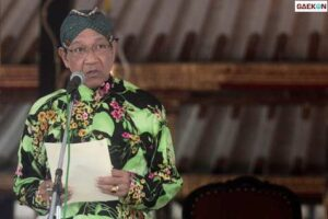 Sultan HB X Wajibkan Lagu Indonesia Raya Diputar Setiap Pagi Di Seluruh Kantor, Akademikus: Pagi Itu Jam Sibuk