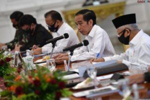 Mulai Bulan Depan Jokowi Targetkan 1 Juta Suntikan Vaksin Covid-19 Per Hari