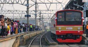PT Kereta Commuter Indonesia Berlakukan Tes Swab Antigen Acak Mulai Hari Ini