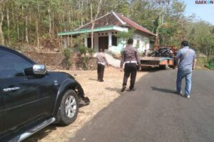 2 Orang Tewas, Pajero Pecah Ban Tabrak 3 Sepeda Motor Sekaligus