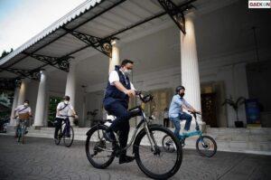 Peringati Hari Sepeda Dunia, Anies Ajak Warga DKI Beralih Pakai Sepeda