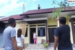 Berlarian Di Atap, Pria Di Kalteng Ini Berhasil Diamankan Polisi