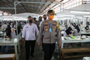 Nekat Pekerjakan Seluruh Karyawan Saat PPKM Darurat, 3 Pabrik Asing Di Garut Kena Denda Puluhan Juta