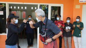 Ganjar Pranowo Kunjungi Pelajar Papua Di Semarang Yang Tak Bisa Pulang Ditengah PPKM Darurat