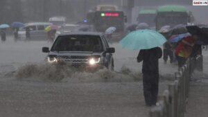 12 Orang Tewas, Henan Dilanda Banjir Hingga Lumpuhkan Ibu Kota