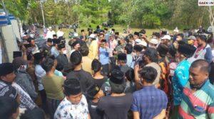 Warga Sampang Demo UGD Puskesmas Tak Beroperasi 24 Jam Saat Pandemi