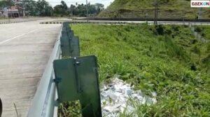 Viral Limbah Rapid Test Berserakan Di Tepi Jalan Tol Simpang Bakauheni