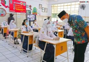 Persiapan PTM, Disdik Surabaya Periksa Kelengkapan Syarat-Syaratnya