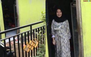 Tak Perlu Telfon Maupun Chat, Kisah Pasangan Kekasih 5 Langkah Dari Rumah Ini Sita Perhatian Warganet