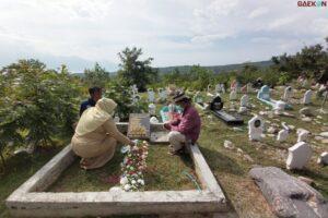 3 Tahun Gempa Palu, Ratusan Warga Sulteng Tabur Bunga Dan Gelar Doa Bersama