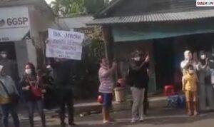 Bawa Poster Tuntutan Petani, Pria Di Blitar Ini Ditangkap Polisi Saat Kunjungan Presiden