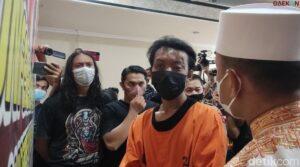 Terancam 15 Tahun Penjara, Ternyata Ini Motif Pria Pembakar Mimbar Masjid Di Makassar