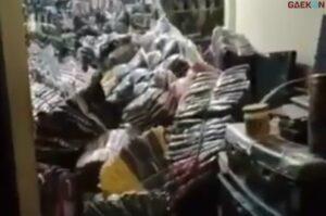 Tertimpa Tumpukan Baju, 1 Keluarga Di Banjarmasin Tewas