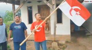 Pria Ngaku 'Panglima Jenderal NII' Viral, Kibarkan Bendera NII Di Garut